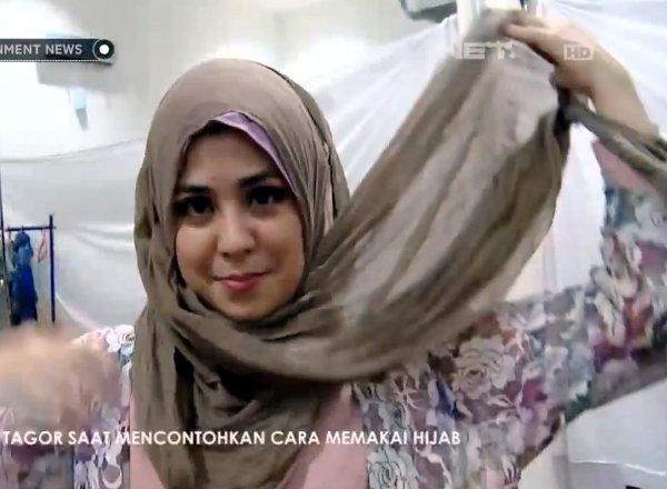 Tutorial Hijab Tanpa Peniti/Jarum Pentul Ala Risty Tagor ...