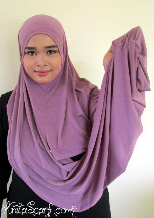 Hijab Tutorial Hanna (Dewi Sandra) di Sinetron Catatan