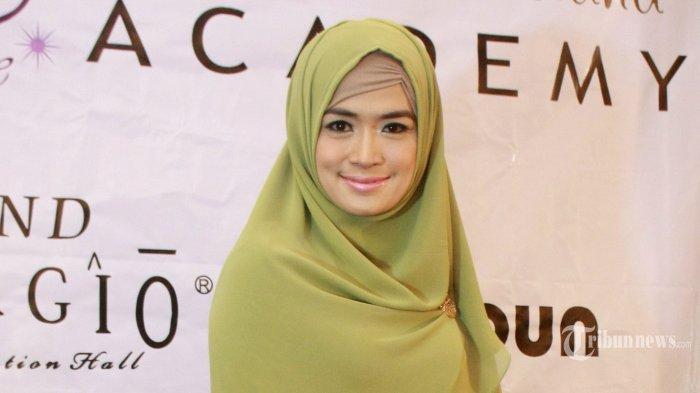 20140914_125606_yulia-rachman-di-acara-beauty-hijab